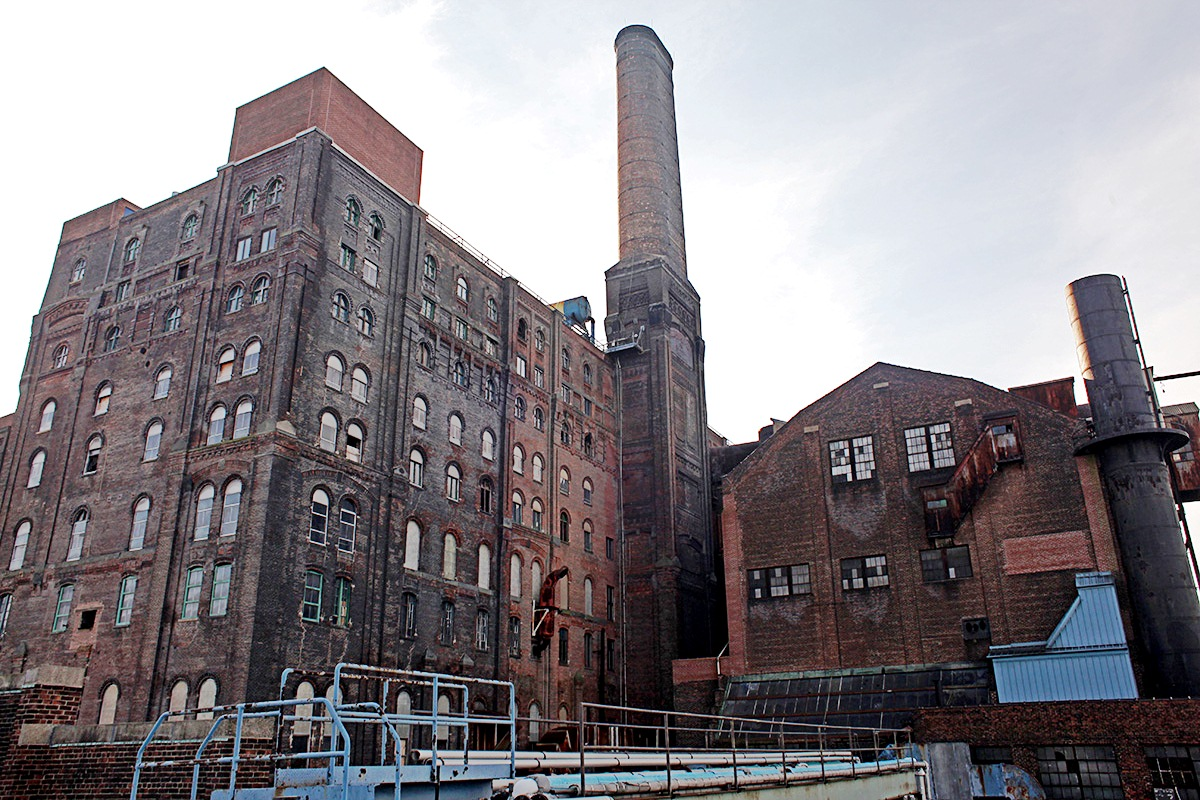 5)  Abandoned Domino Sugar Factory in Darkness, New York.
