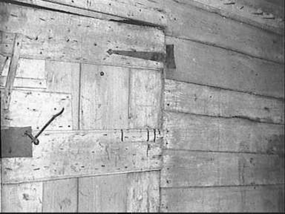 File:Houten wand met deur - Heille - 20501144 - RCE.jpg - Wikimedia ...