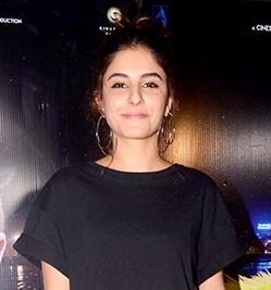 Isha Talwar : profile
