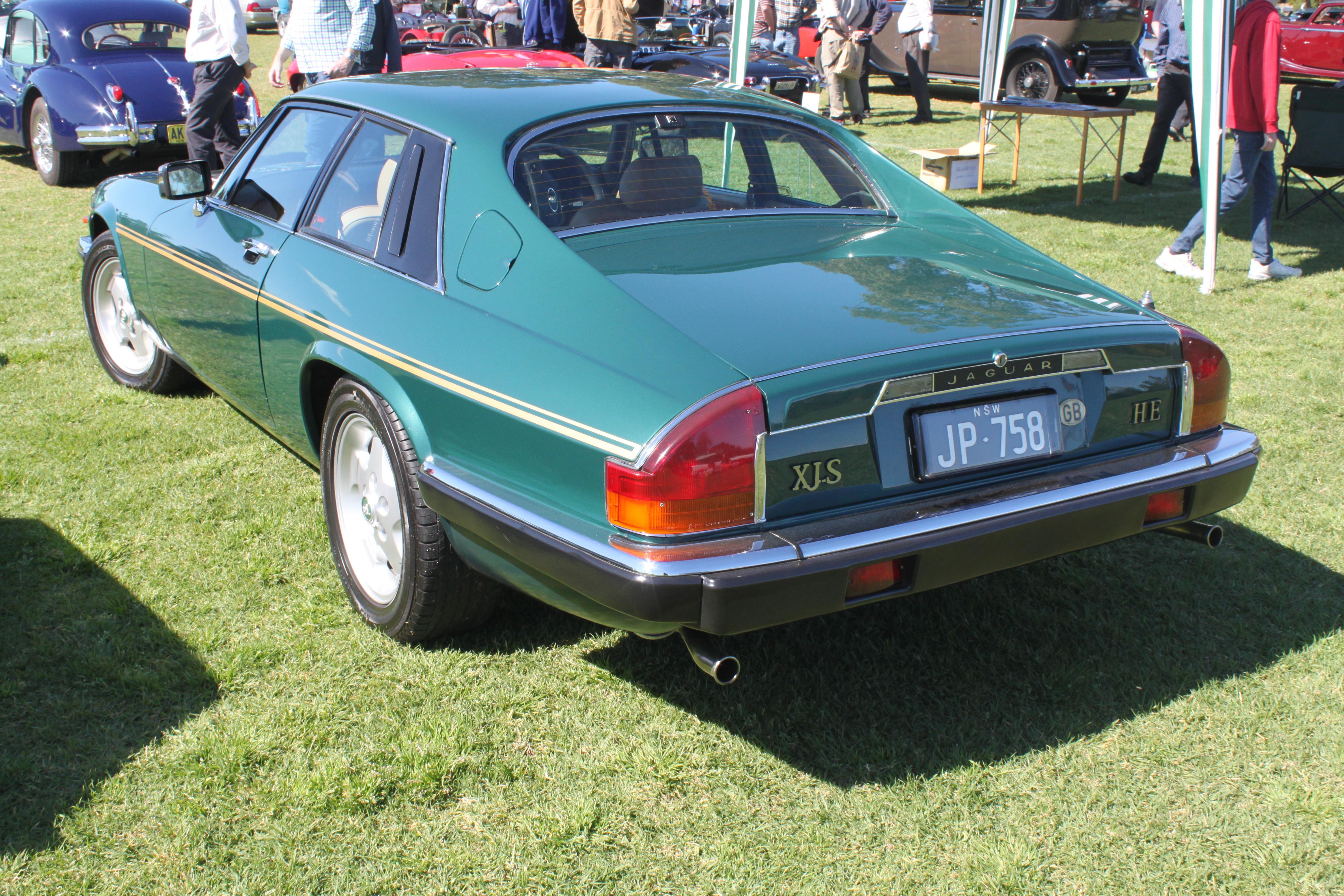 Jaguar_XJS_HE_%2821672858299%29.jpg