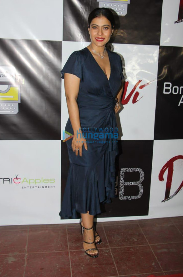 Kajol_at_the_success_party_of_Devi_in_20