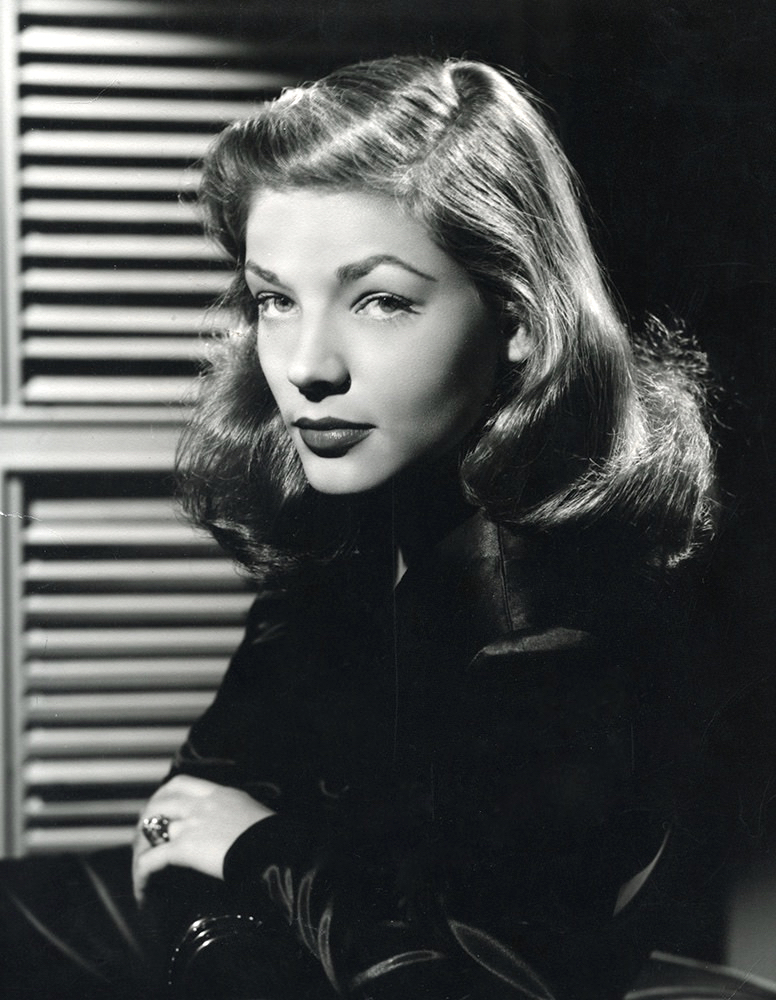 Lauren_Bacall_1945_press_photo.jpg
