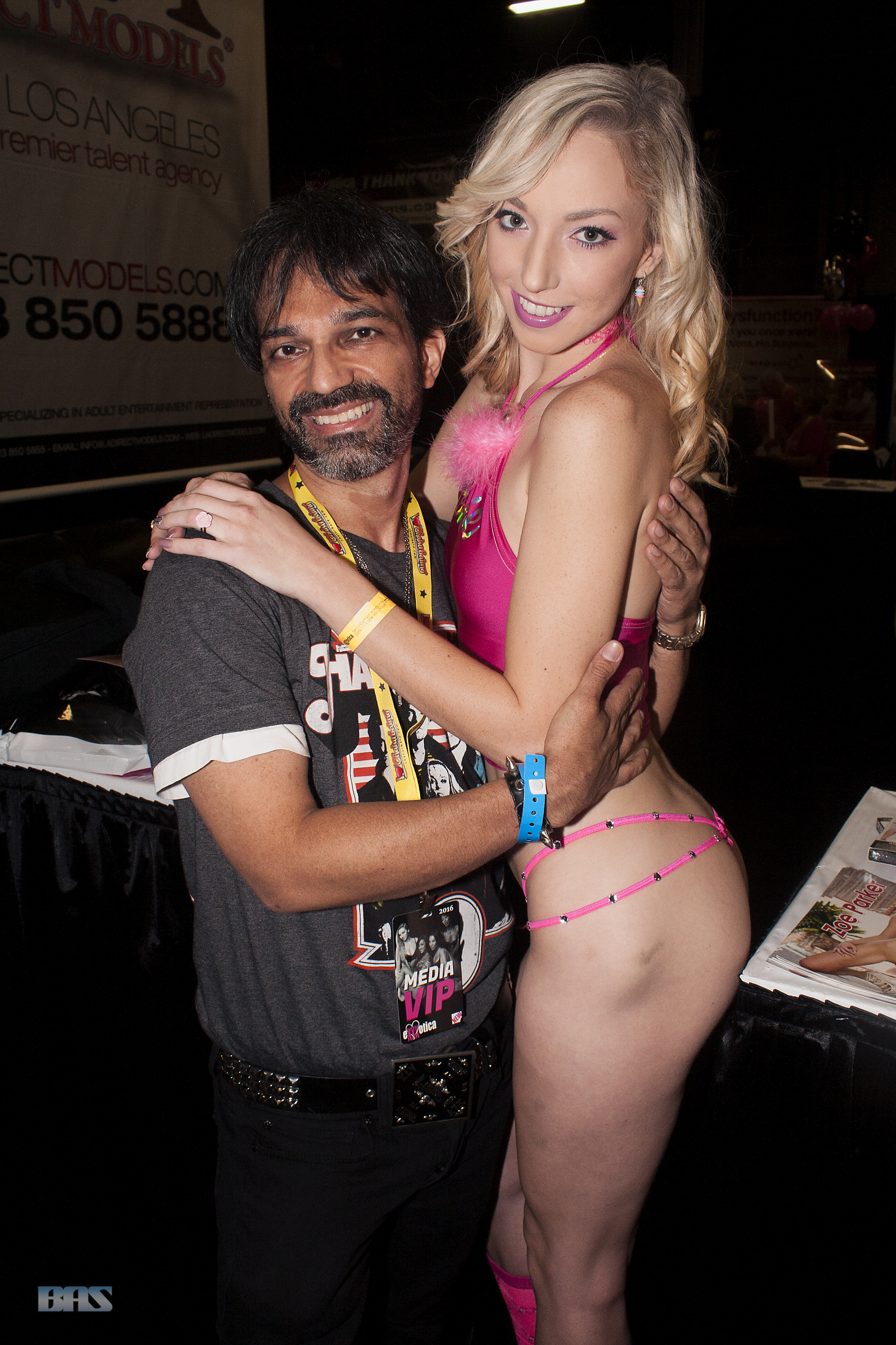 File:Master Gio and Zoe Parker at Exxxotica New Jersey 2016  (30683877434).jpg - Wikimedia Commons