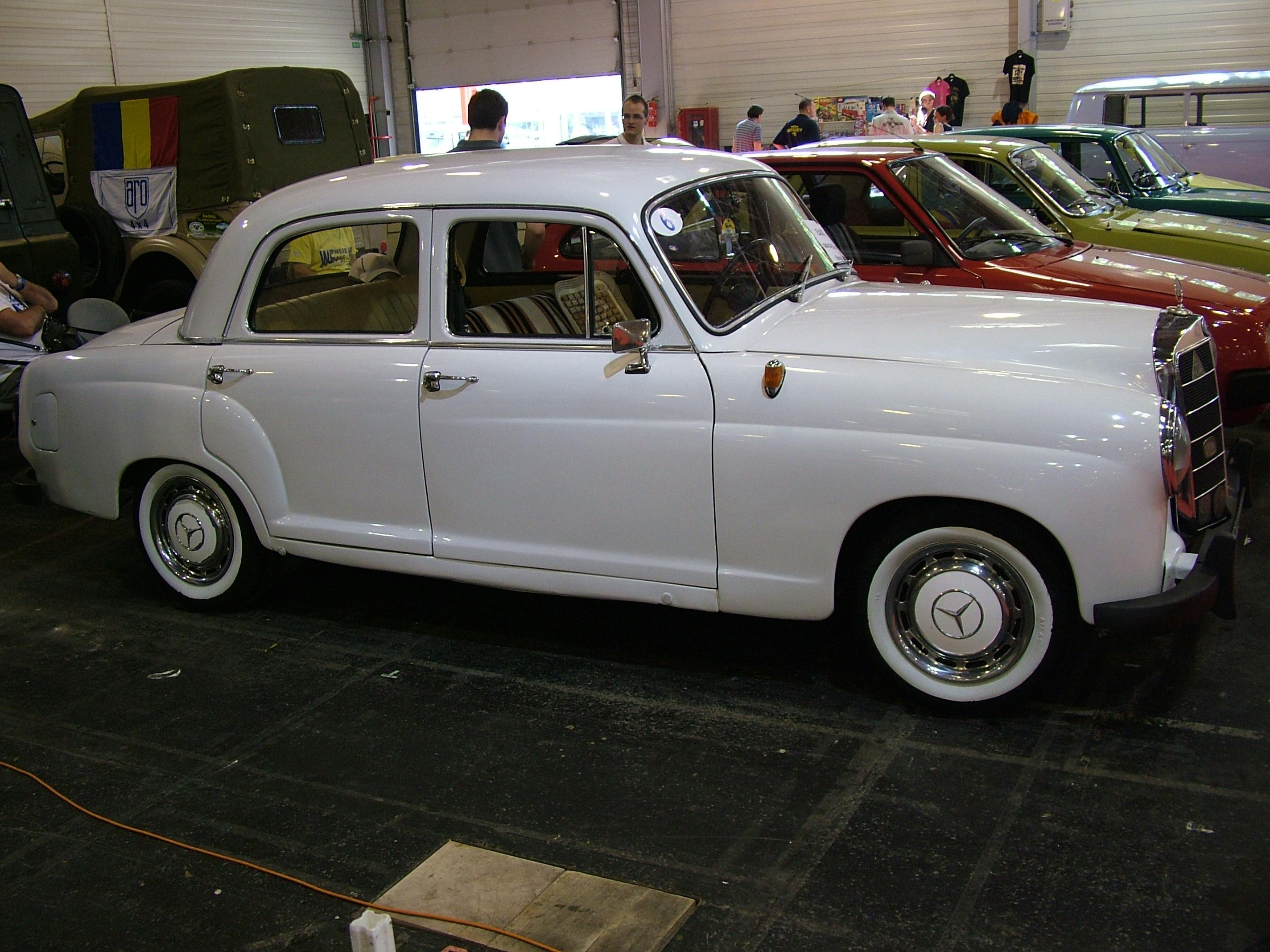 File mercedes benz ponton 190d 1958 6980138920 jpg for Mercedes benz ponton