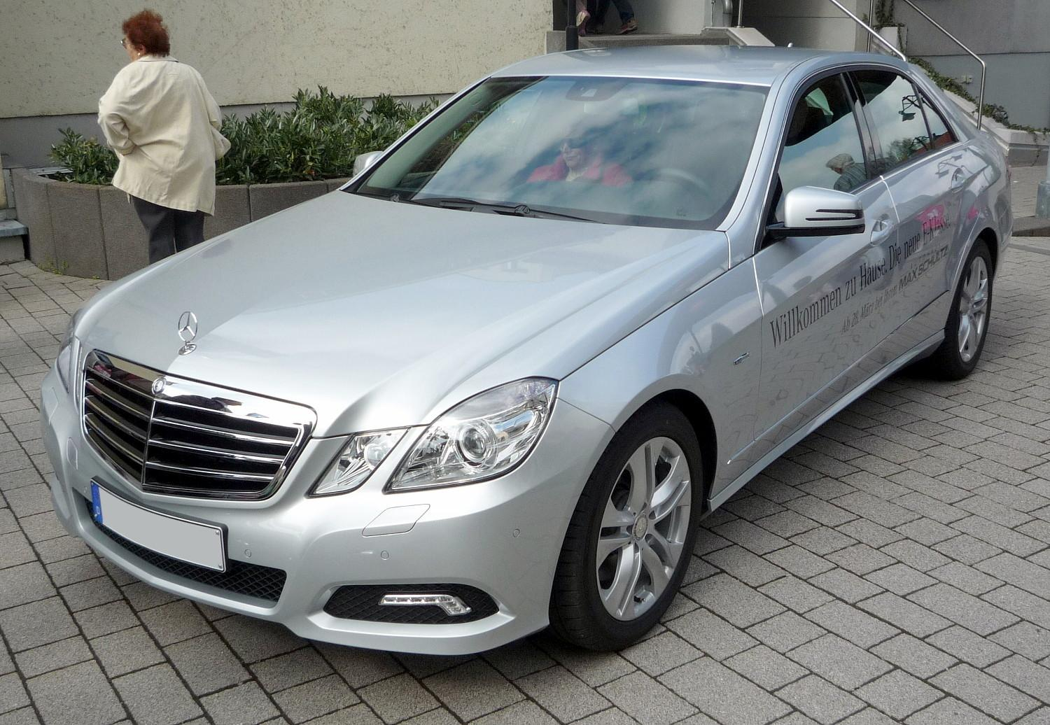 File mercedes benz w212 e 250 cdi avantgarde iridiumsilber for Mercedes benz avantgarde