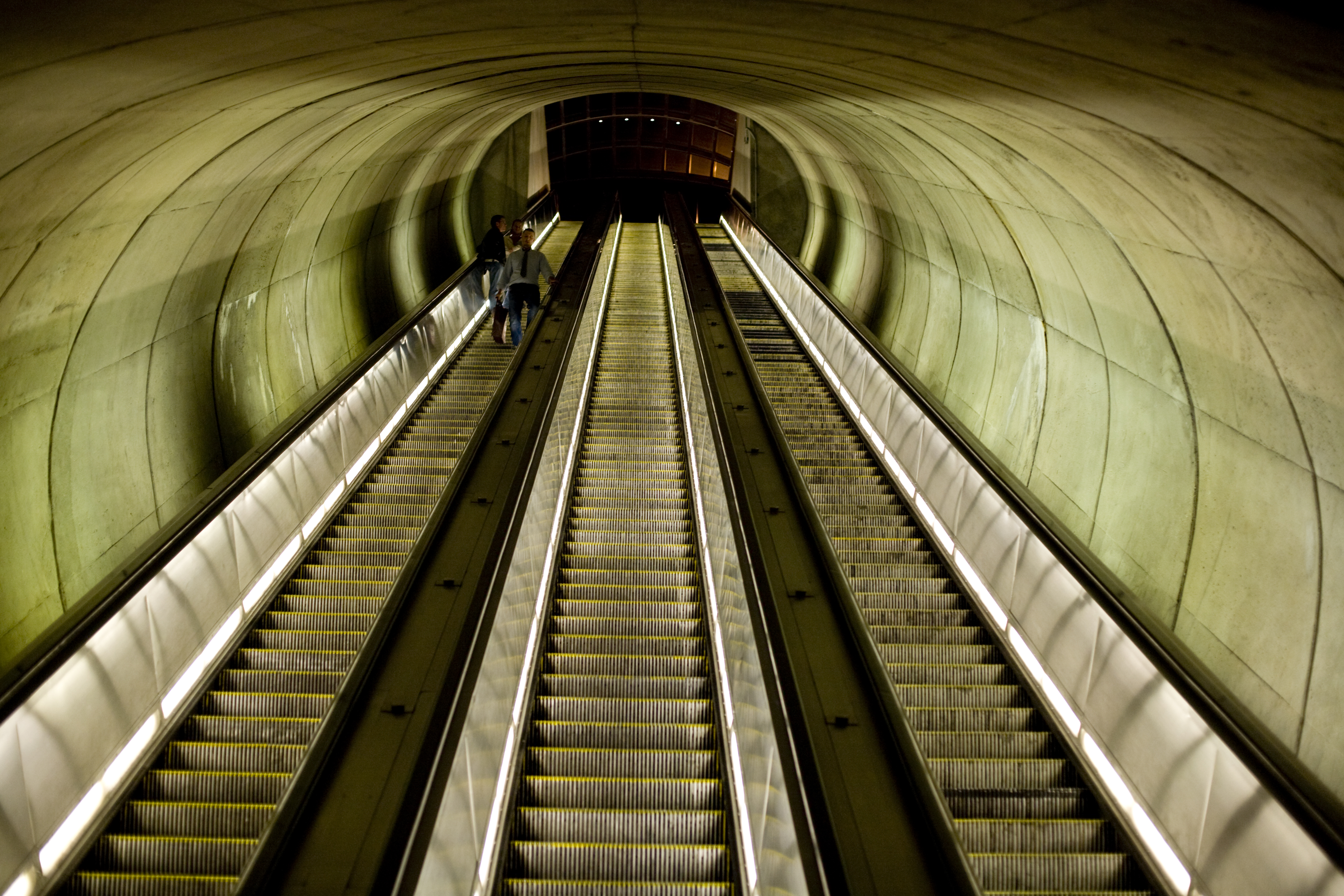 filemetro escalators dupont circlejpg wikimedia commons