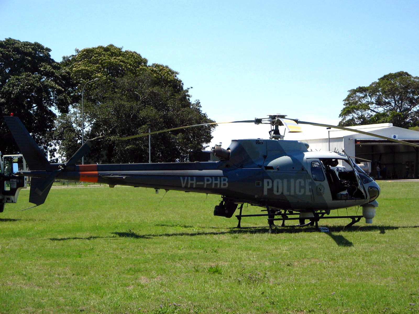 File:NSW Police Air Wing AS 350B Squirrel - Flickr - Highway Patrol