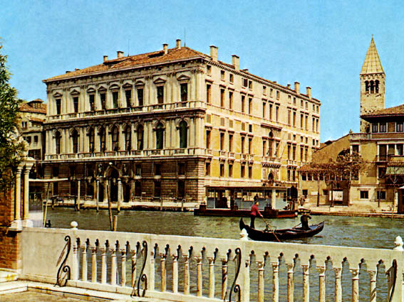 Archivo: Palacio Grassi lou.jpg