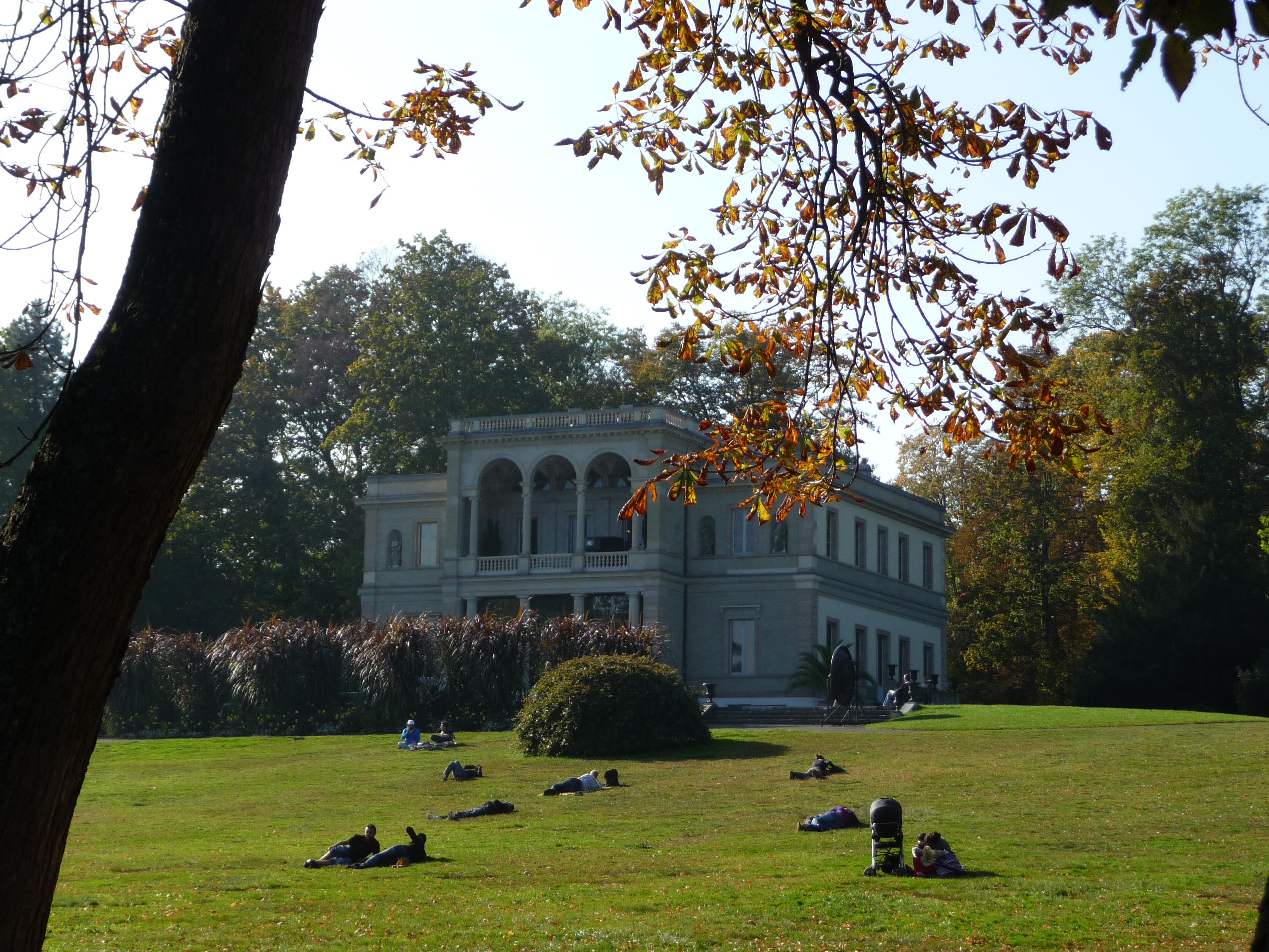 File:Parc de la Perle du Lac, Geneve - panoramio (1).jpg ...