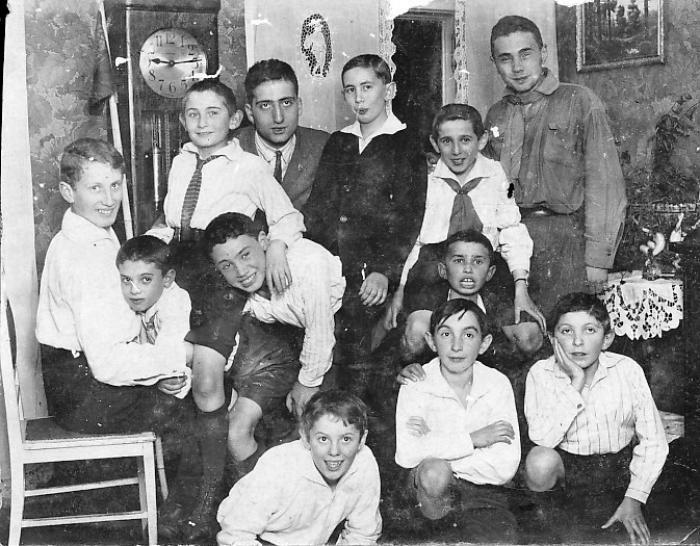 בקן השומר הצעיר בורשה-פולין 1926