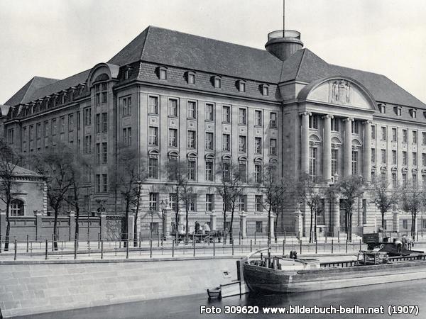Gebäude des Königlich Preußischen Eisenbahn Zentralamtes in Berlin, 1907
