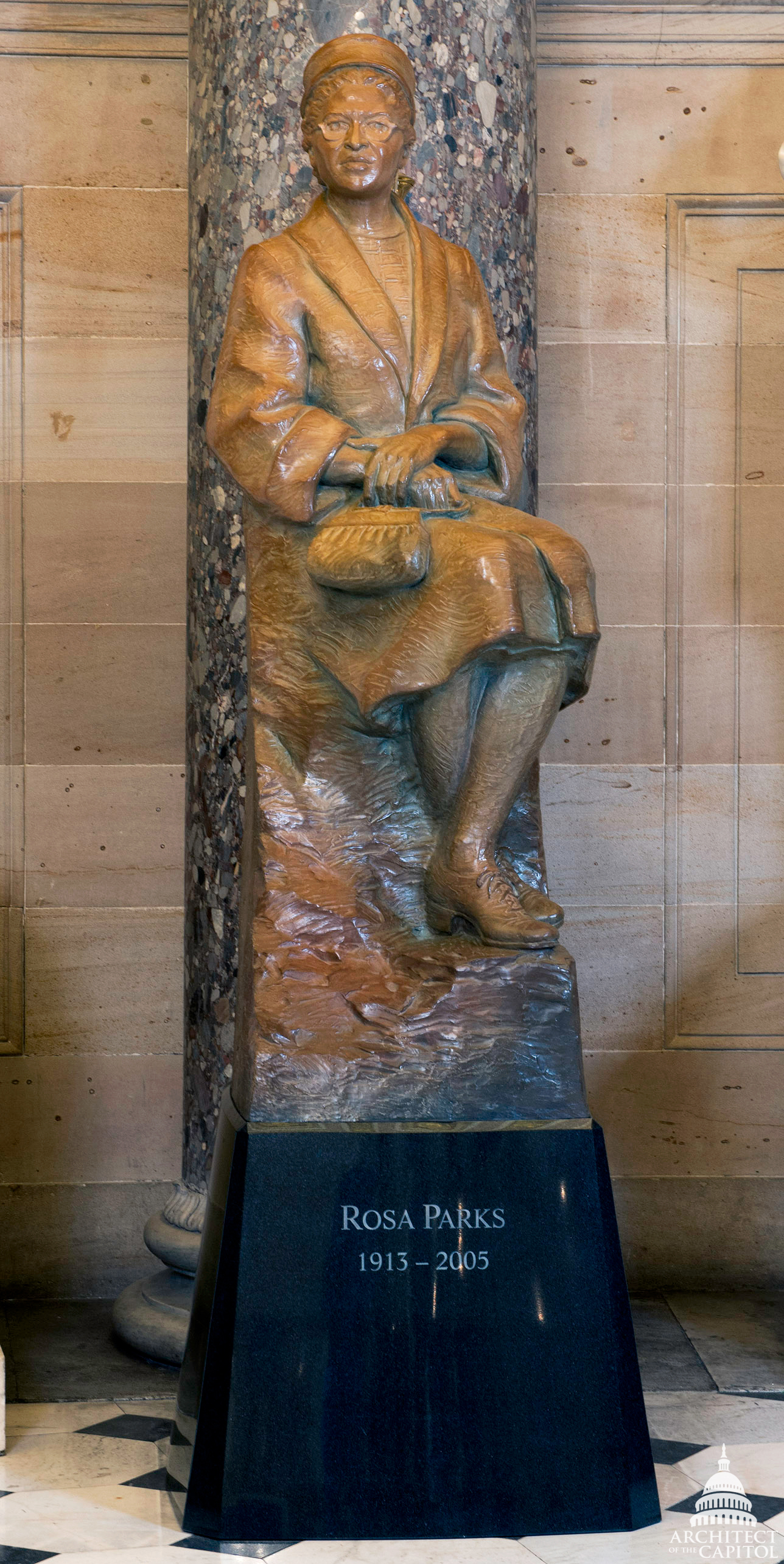 2013 : Rosa Parks Honored With Bronze Statue in U.S. Capitol