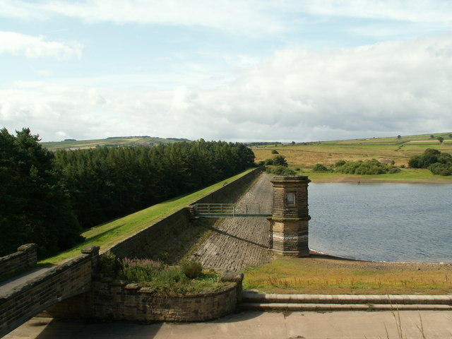 Scout Dike Reservoir and Valve Tower - geograph.org.uk - 1425457
