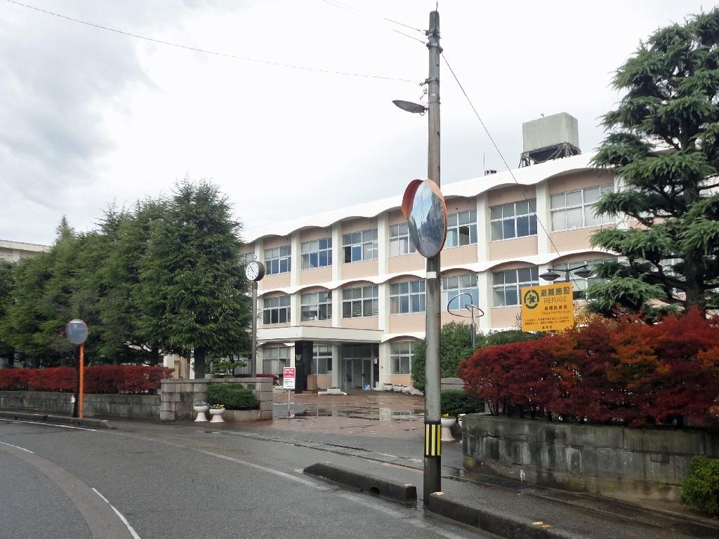 高岡西高等学校