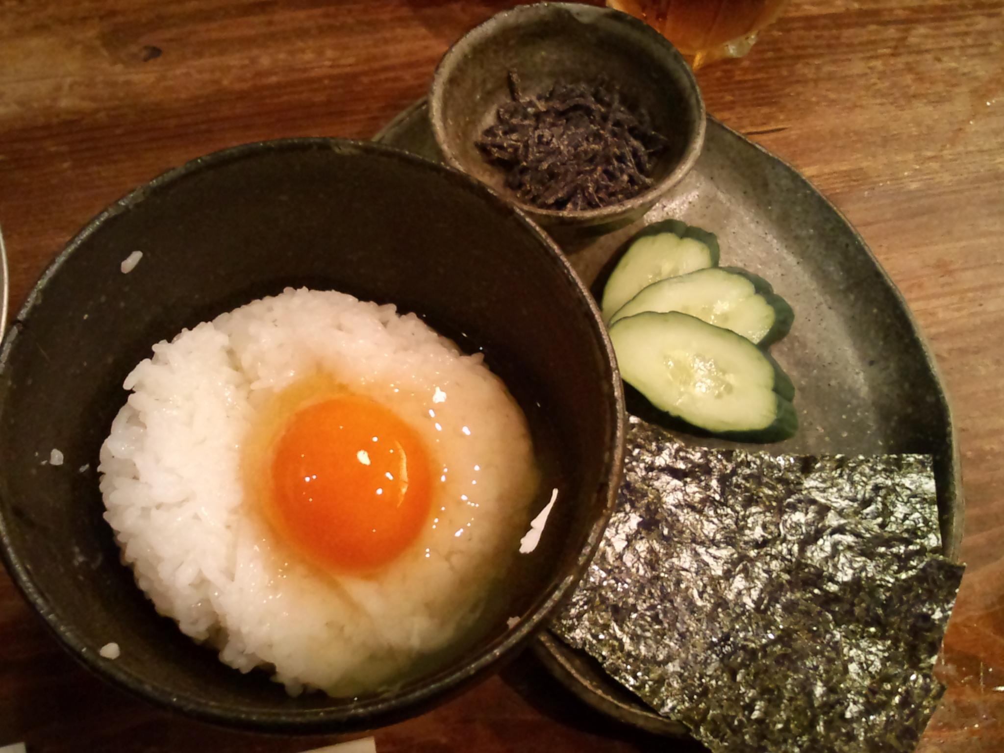 File:Tamago kake gohan by rhosoi in Kyoto Station building.jpg - Wikimedia Commons