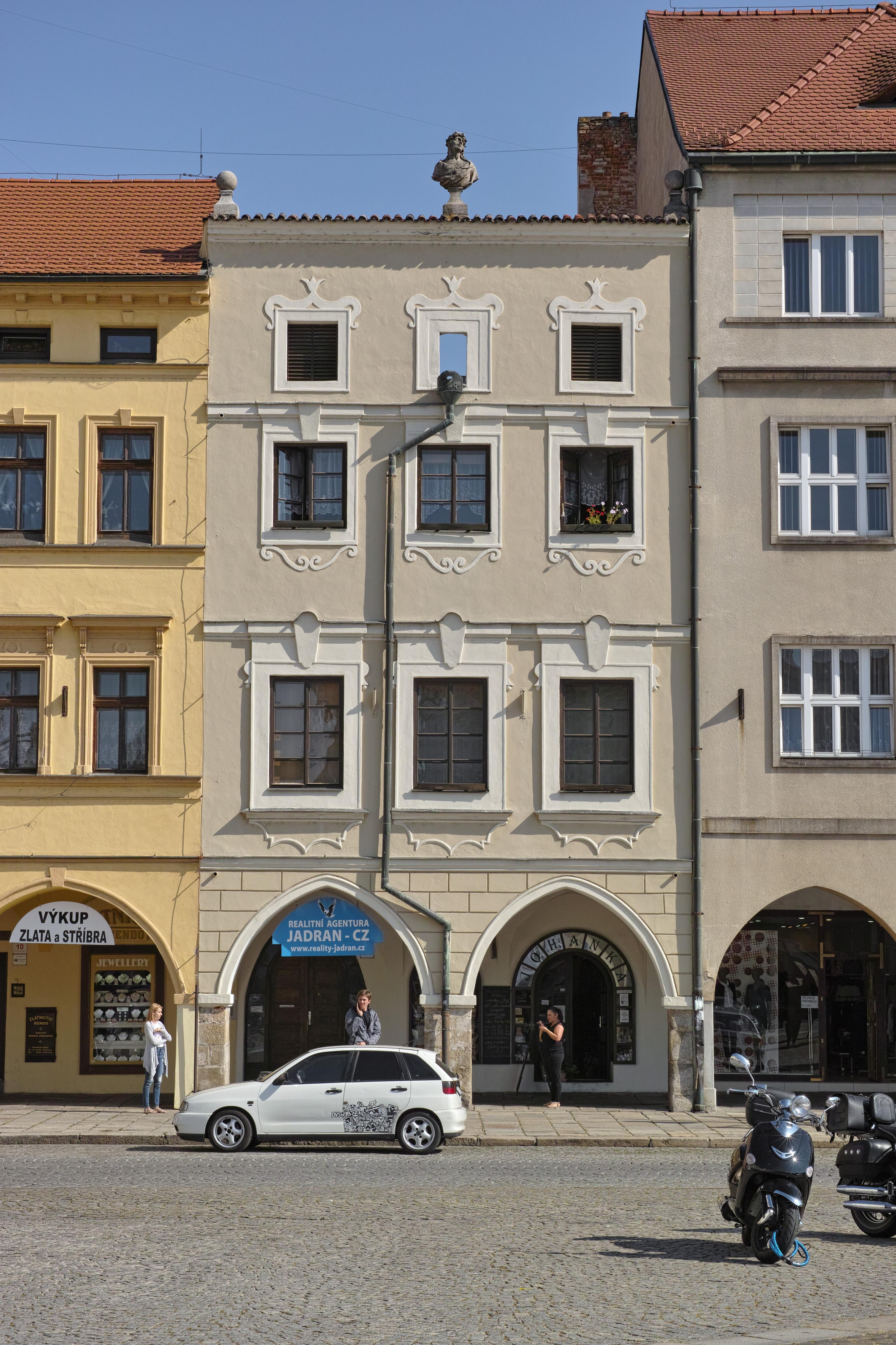 f51a0f270 Soubor:U Římského císaře (České Budějovice).jpg – Wikipedie