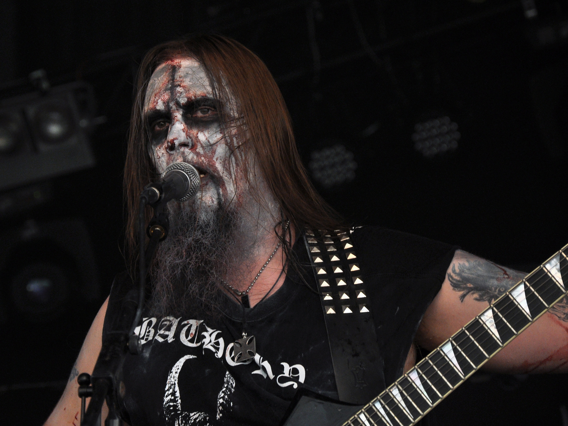 https://upload.wikimedia.org/wikipedia/commons/7/76/Urgehal_Metal_Mean_Festival_20_08_2011_01.jpg