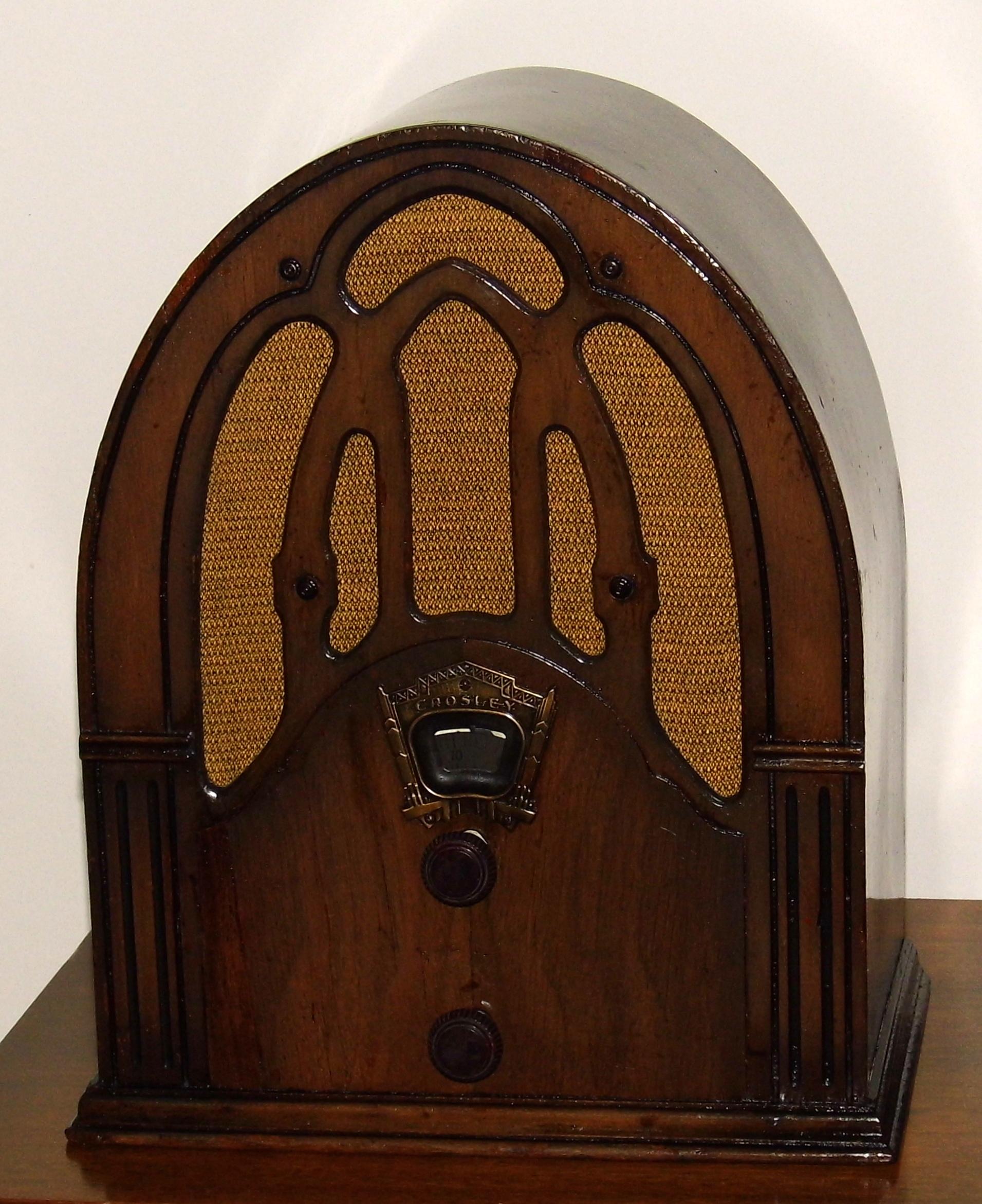 File Vintage Crosley Fiver Cathedral Radio Model 148