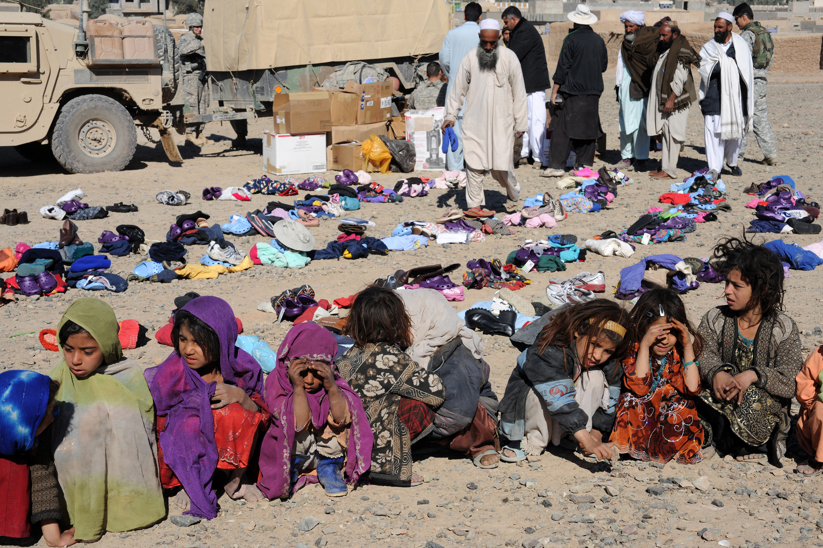 File Warm Welcome For Prt Warm Clothes For Refugees