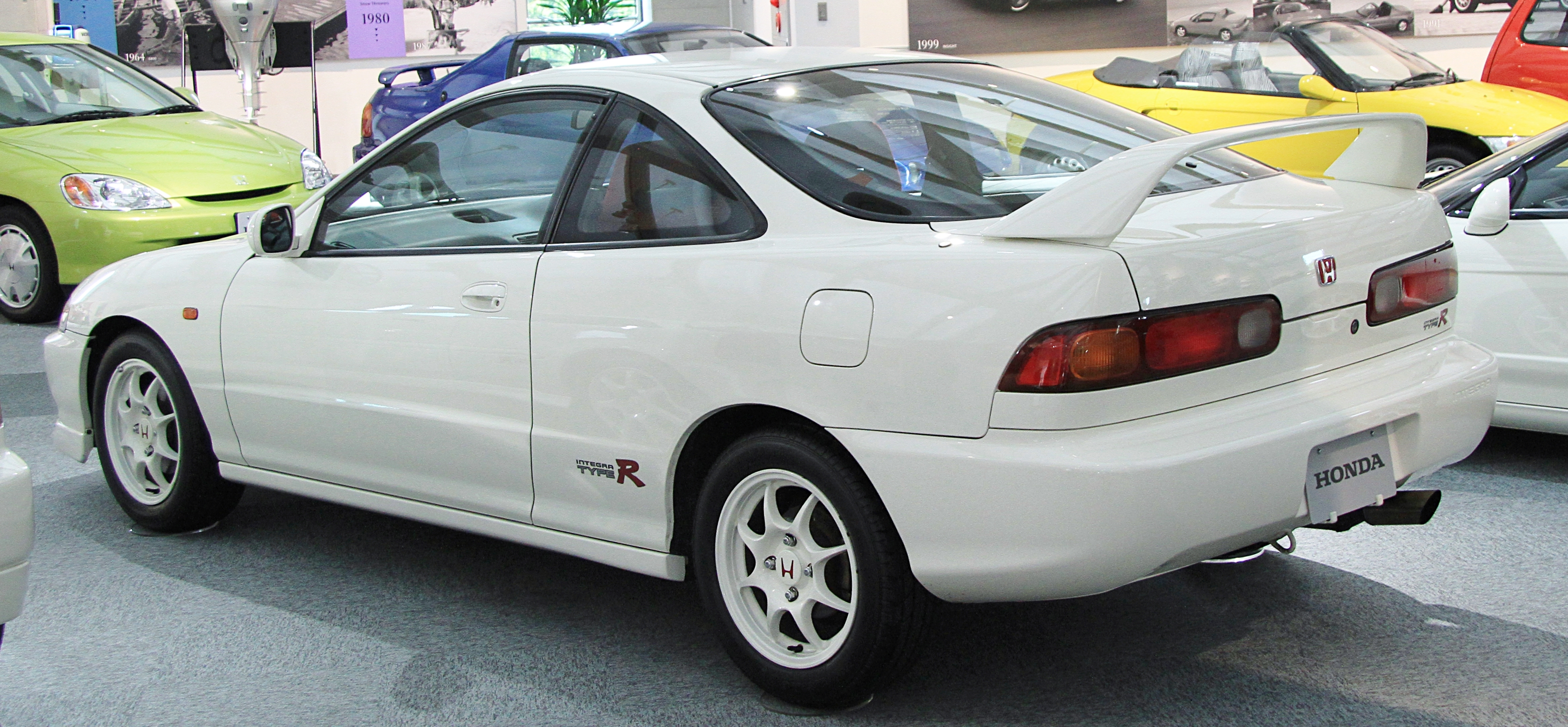 File 1995 1998 Honda Integra Type R Rear Jpg Wikimedia