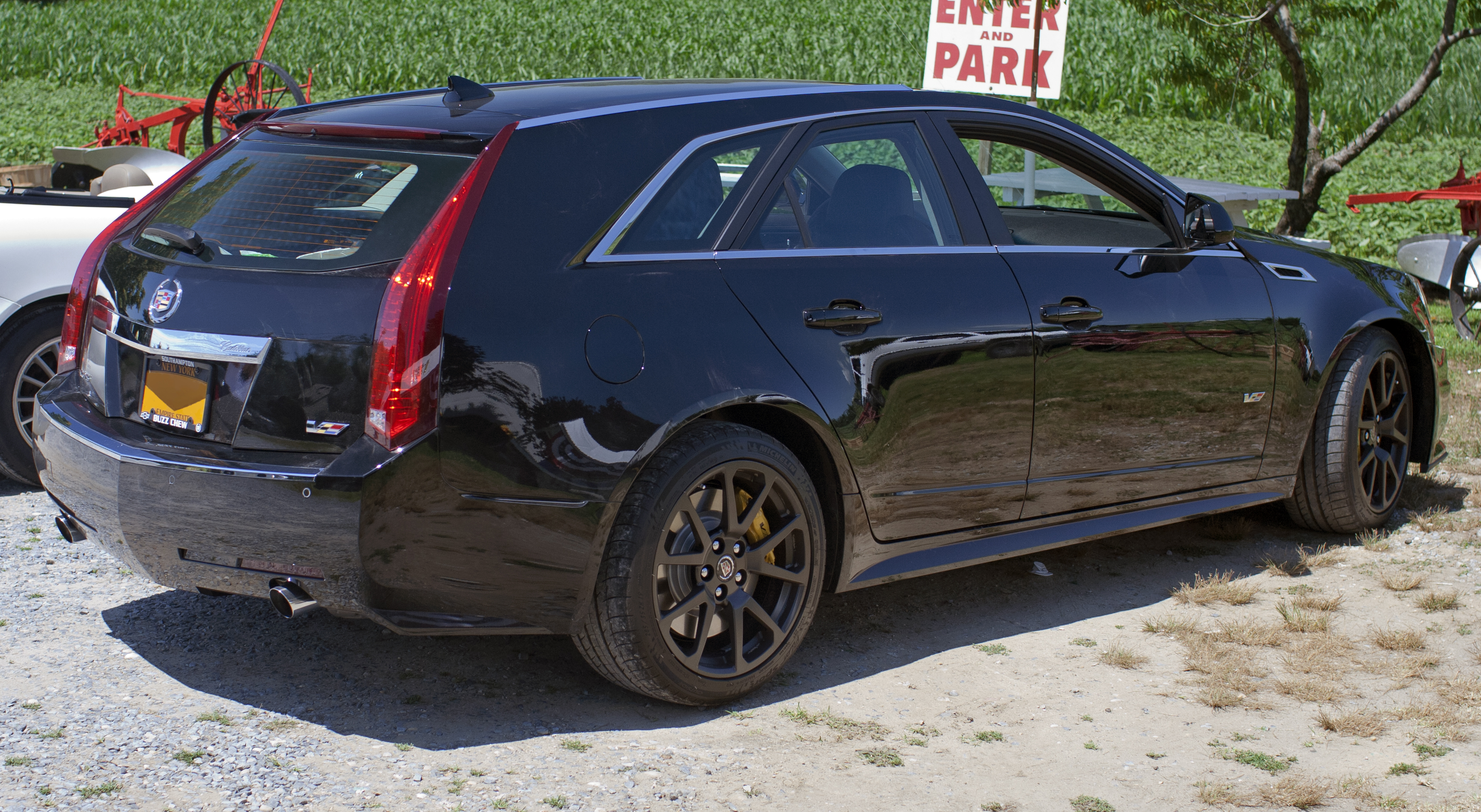 File 2012 Cadillac Cts V Wagon Black Jpg Wikimedia Commons