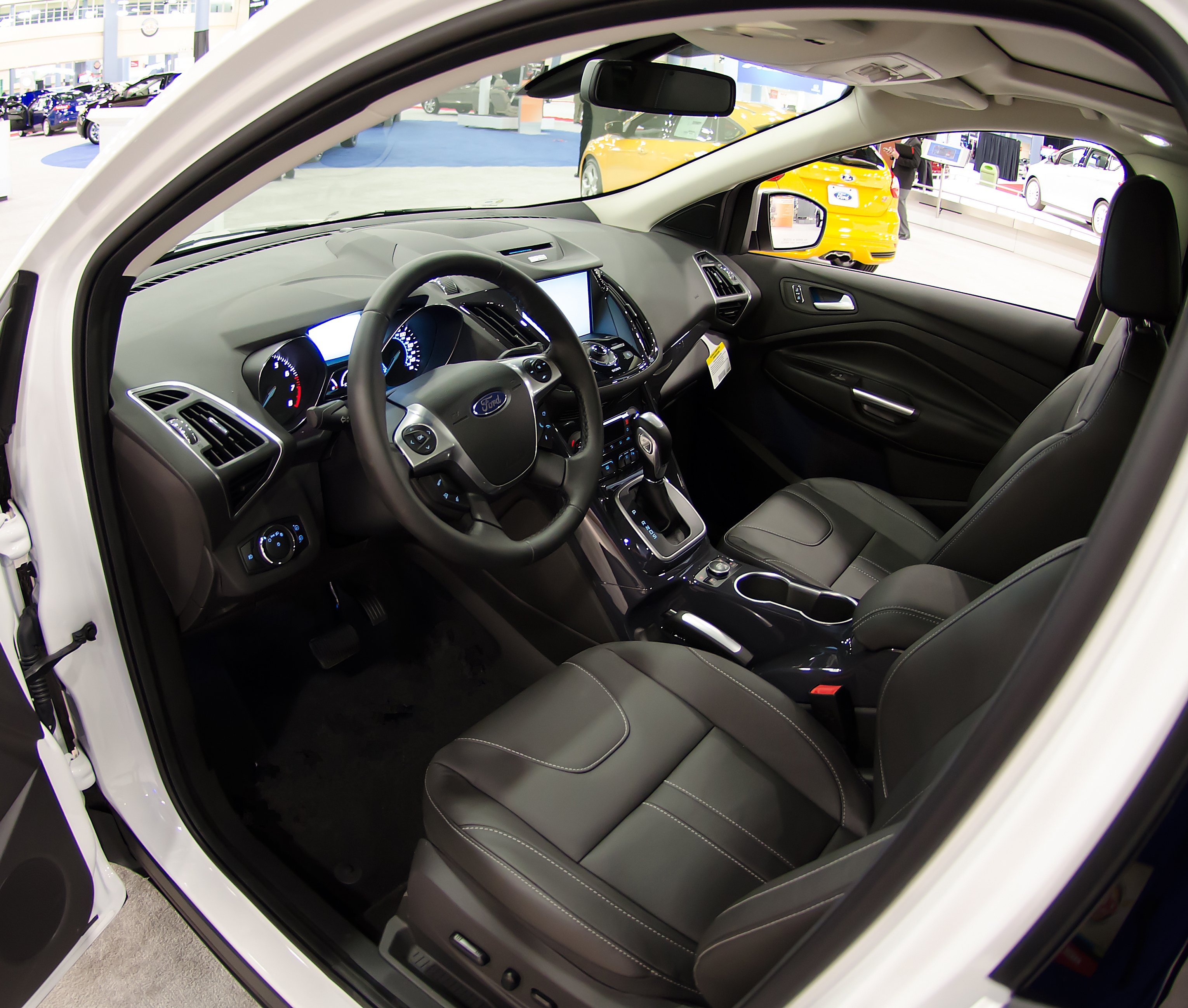 Terrific File 2013 Ford Escape Interior Shot Wikimedia Commons Unemploymentrelief Wooden Chair Designs For Living Room Unemploymentrelieforg