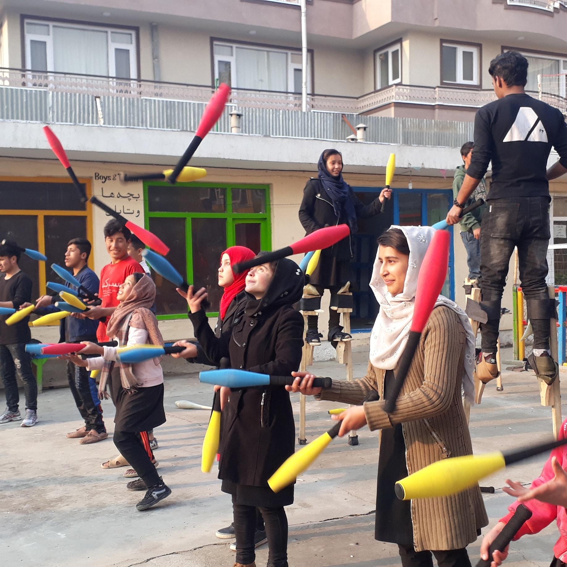 Learn to Juggle Juggling Bats Magic Clown