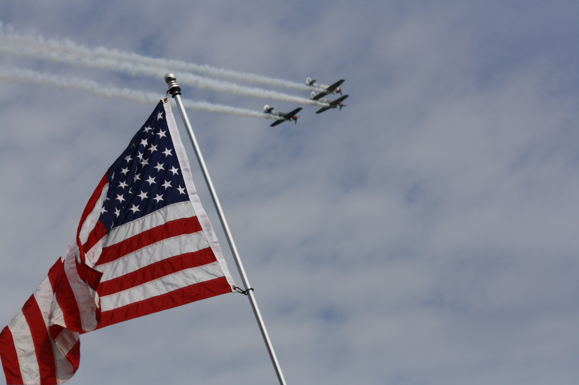 File:American Flag with flyover in background 2013 Johnsonville 200 at Road America.jpg ...