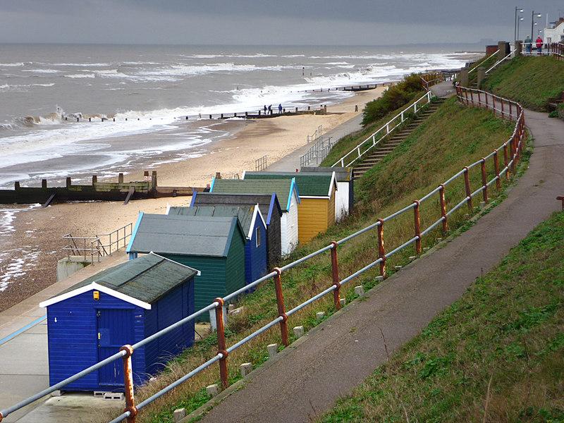 Beach huts, Southwold - geograph.org.uk - 1745199