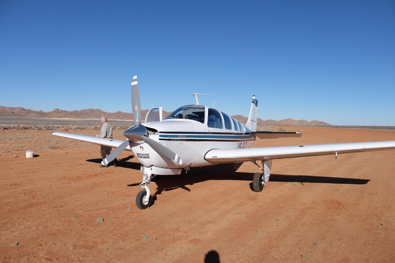 File:Beechcraft Bonanza A36 in Aus Namibia.jpg