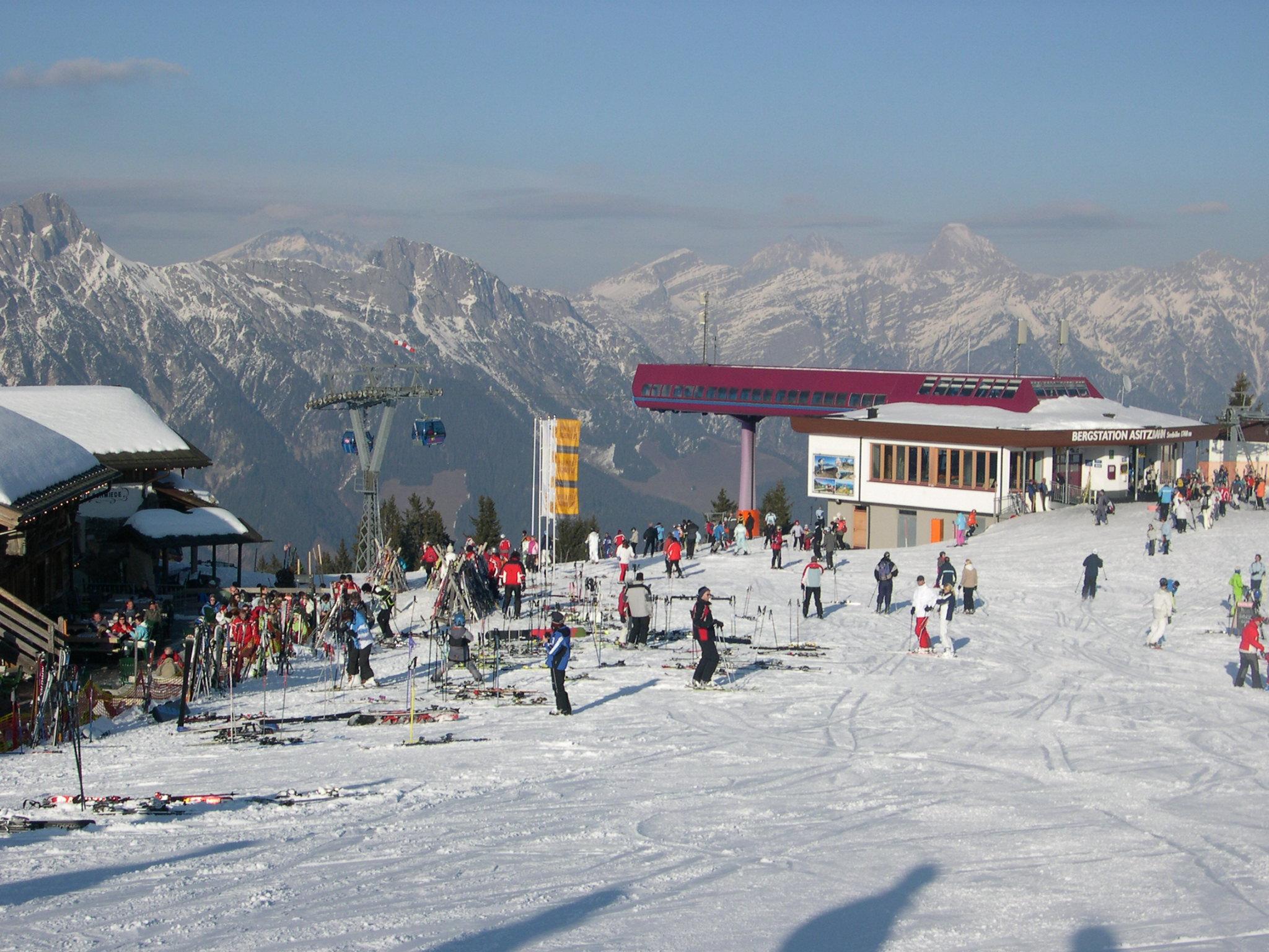 Leogang Austria  city images : Bergstation Asitzbahn Leogang Winter Wikimedia Commons