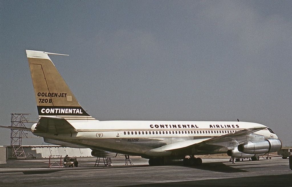 an introduction to the history of united airlines aircraft In 1973, air new zealand also introduced the larger dc-10 the airline operated  with a combined dc-8 and dc-10 fleet until the 1980s, when the larger boeing.