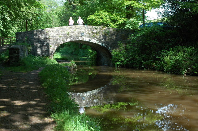 Bridge 125, Monmouthshire and Brecon Canal - geograph.org.uk - 1324207