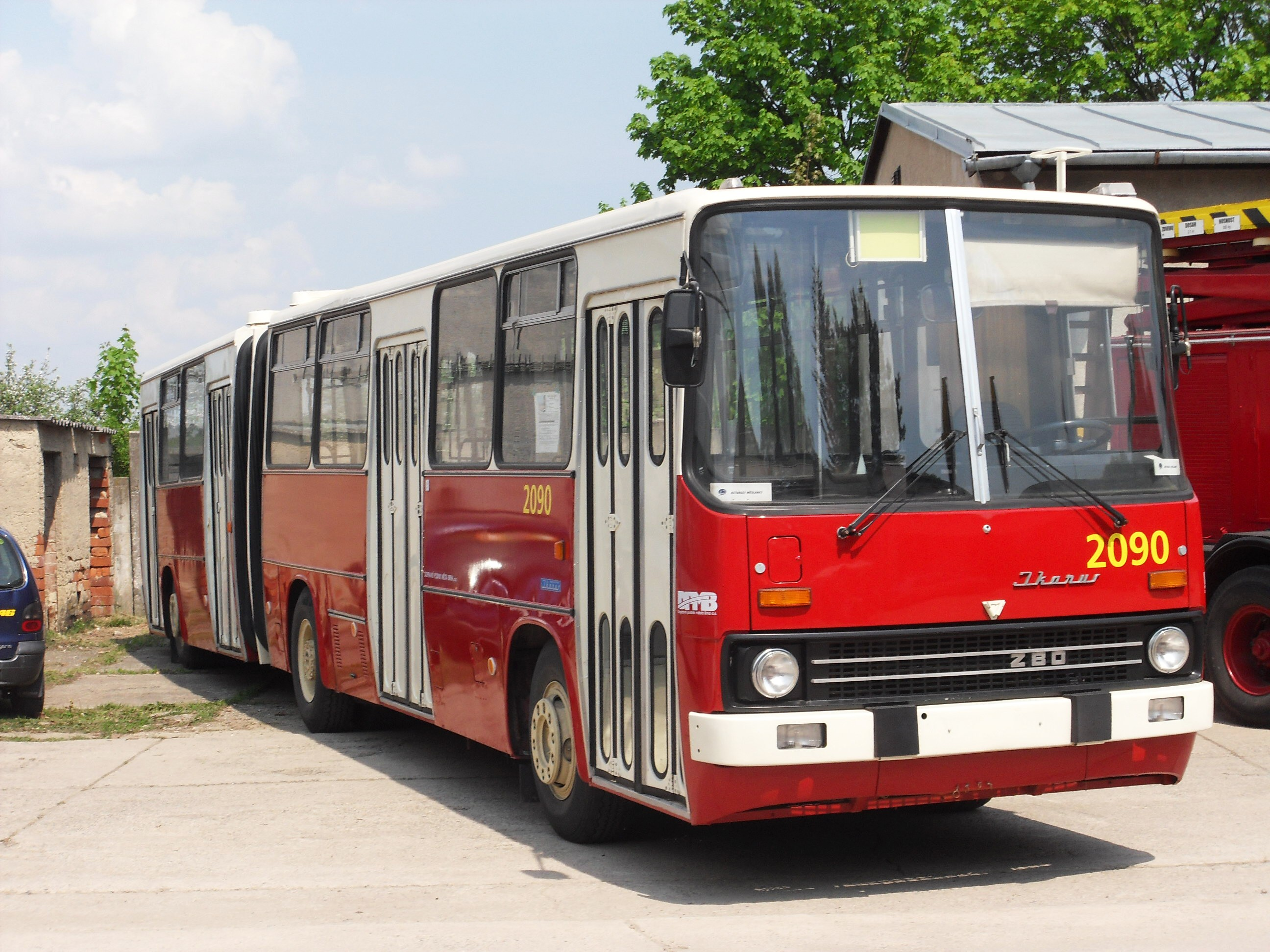 File:Brno, Řečkovice, depozitář TMB, Ikarus 280 č. 2090 (01