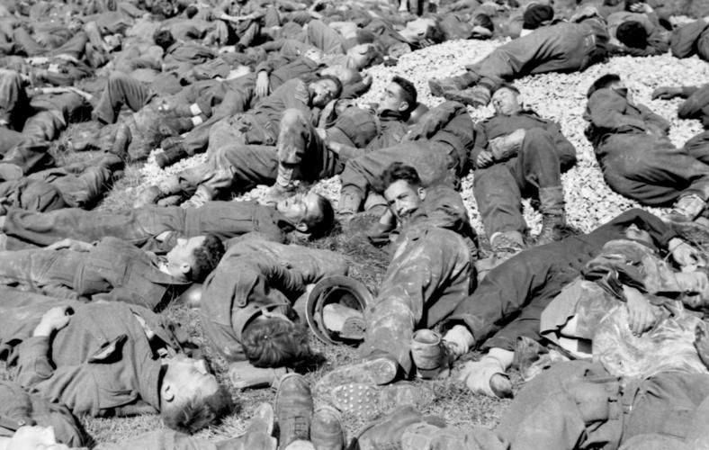 File:Bundesarchiv Bild 101I-291-1238-25A, Dieppe, Landungsversuch, alliierte Kriegsgefangene.jpg
