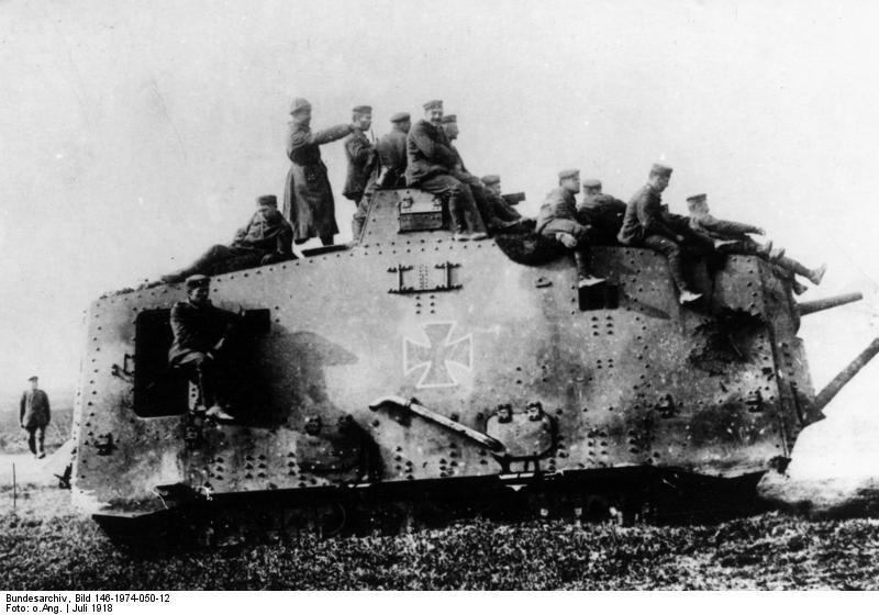 Bundesarchiv Bild 146-1974-050-12, Westfront, deutscher Panzer A7V