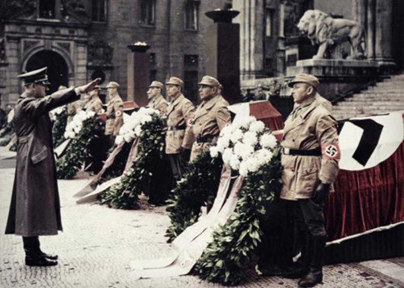 File:Bundesarchiv Bild 183-E12359, München, Adolf Hitler vor Feldherrenhalle Recolored.jpg