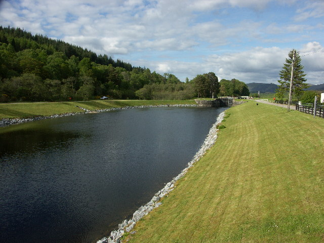 Caledonian Canal at Gairlochy - geograph.org.uk - 14194