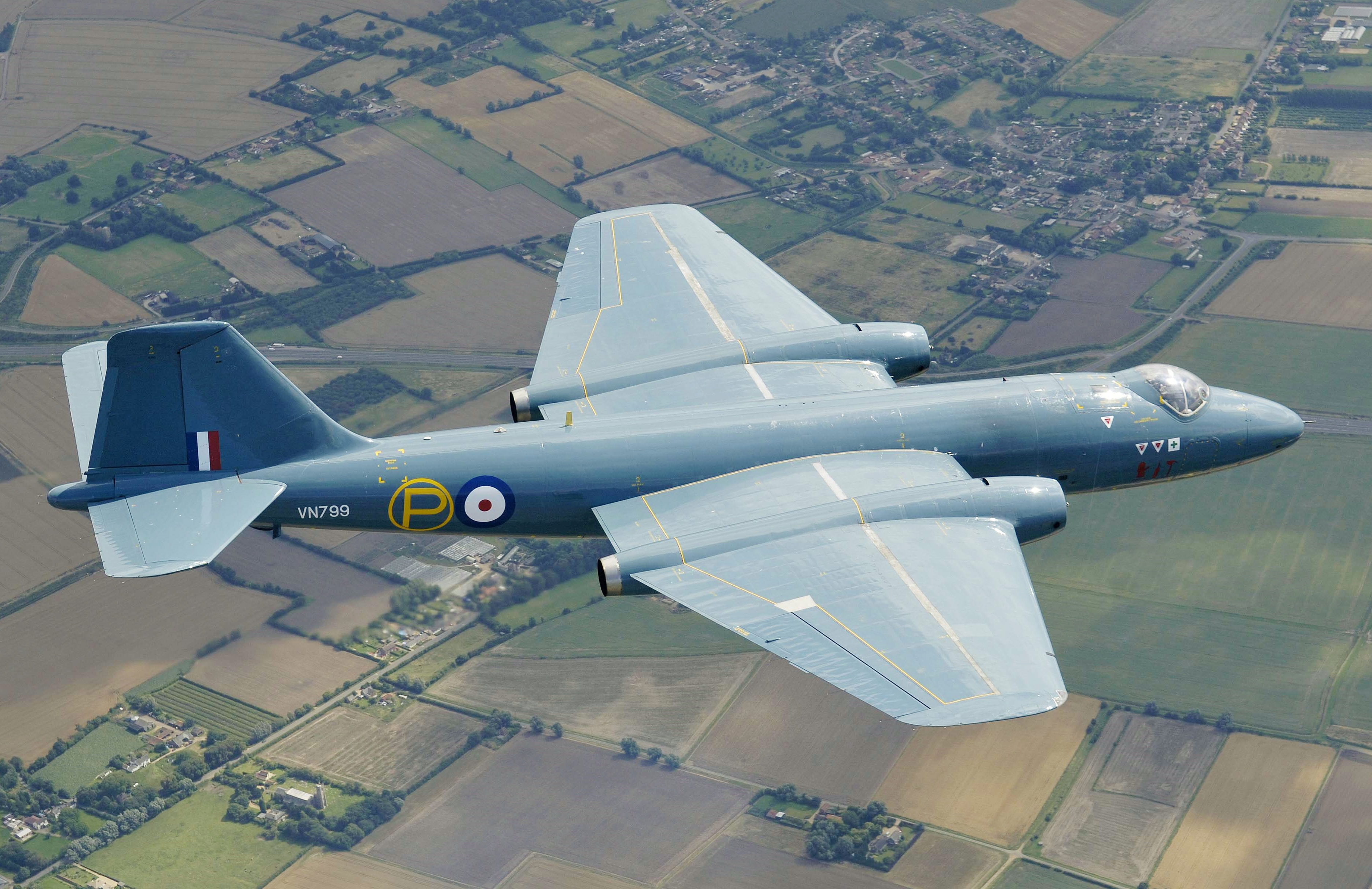 English Electric Canberra - Wikipedia