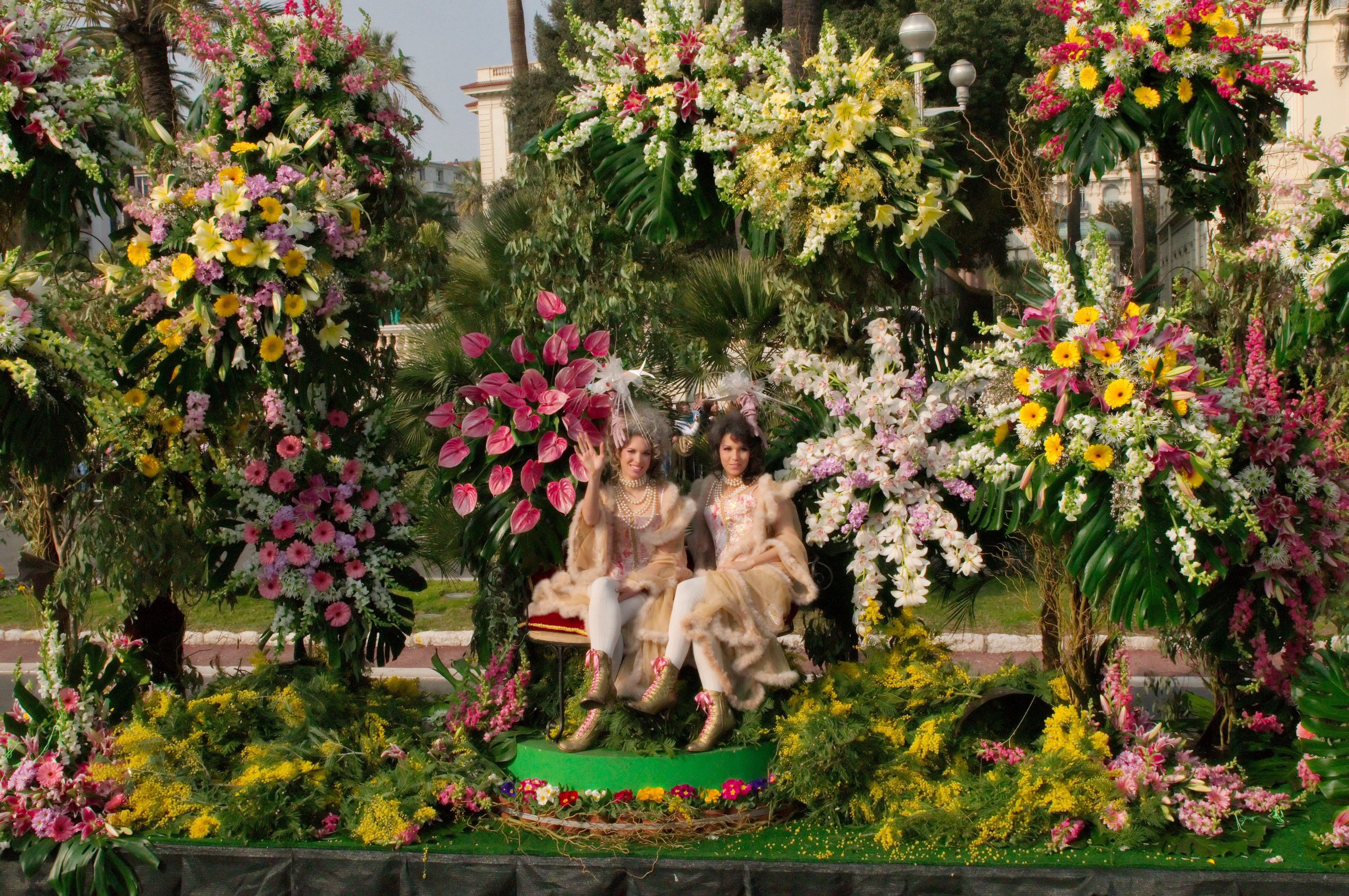 Fichier carnaval de nice bataille de fleurs for Bouquet de fleurs wiki