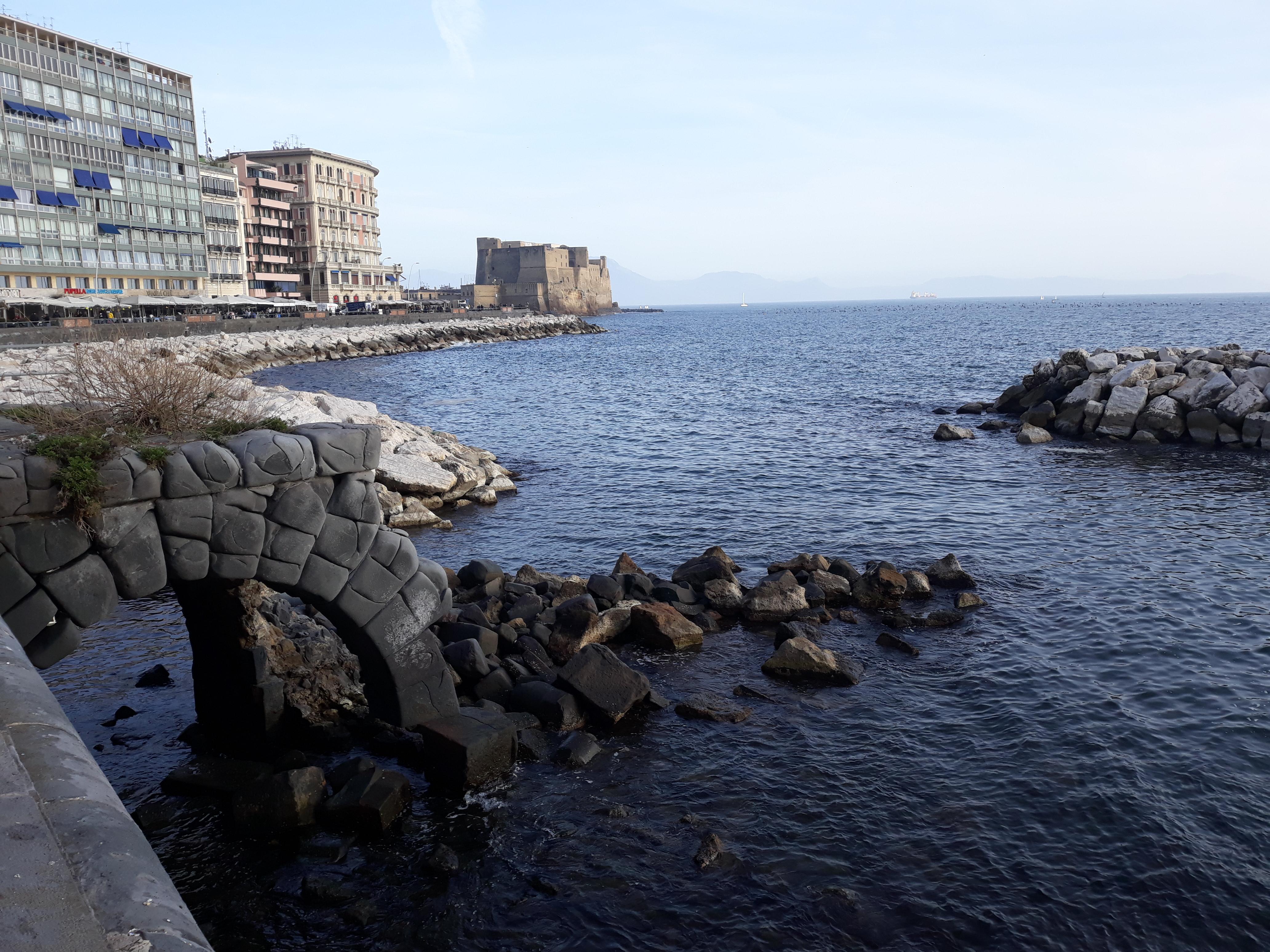 Castel dell'Ovo, Naples 03.jpg