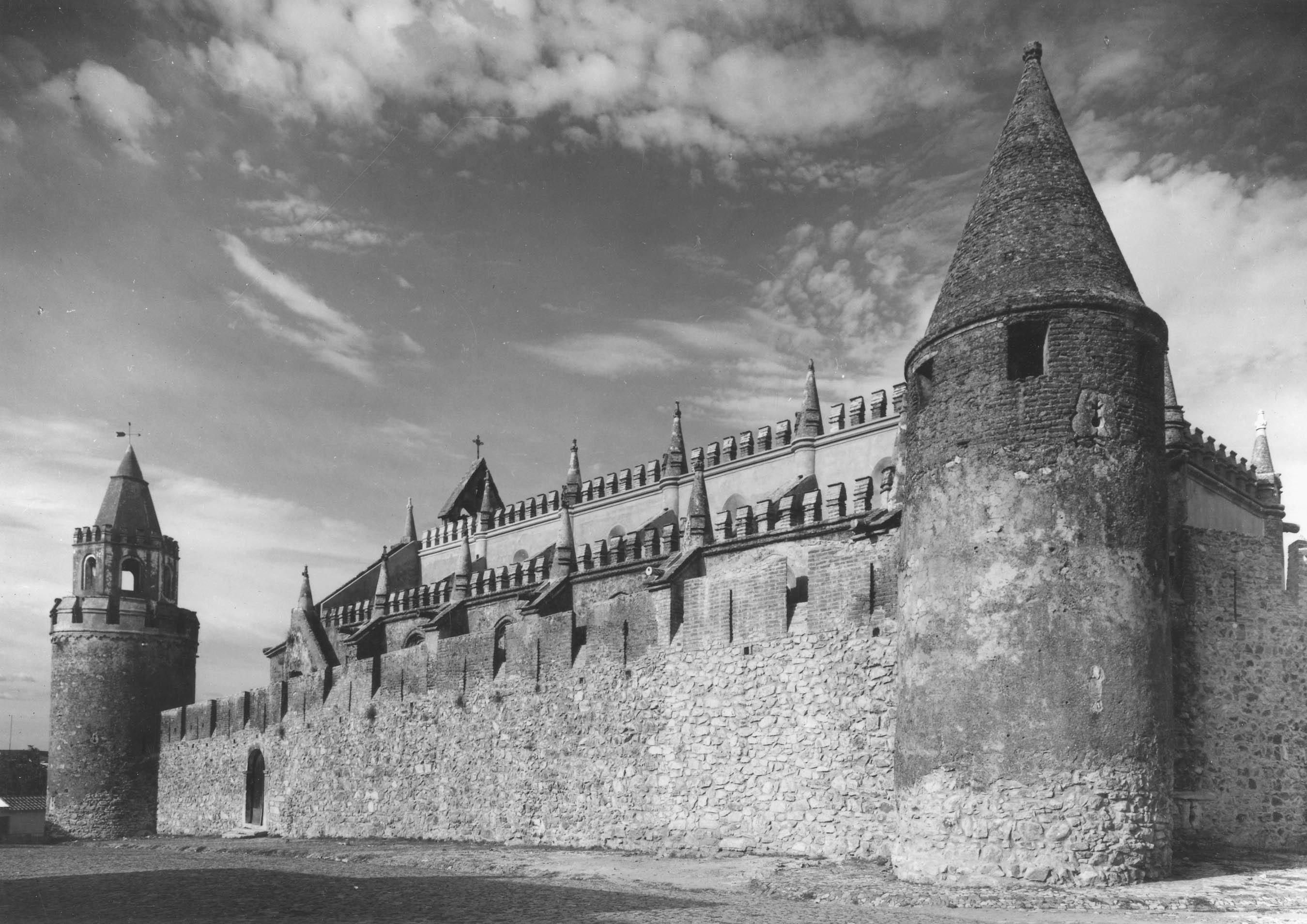 File castelo de viana do alentejo portugal 3522712882 - Viana do castelo portugal ...