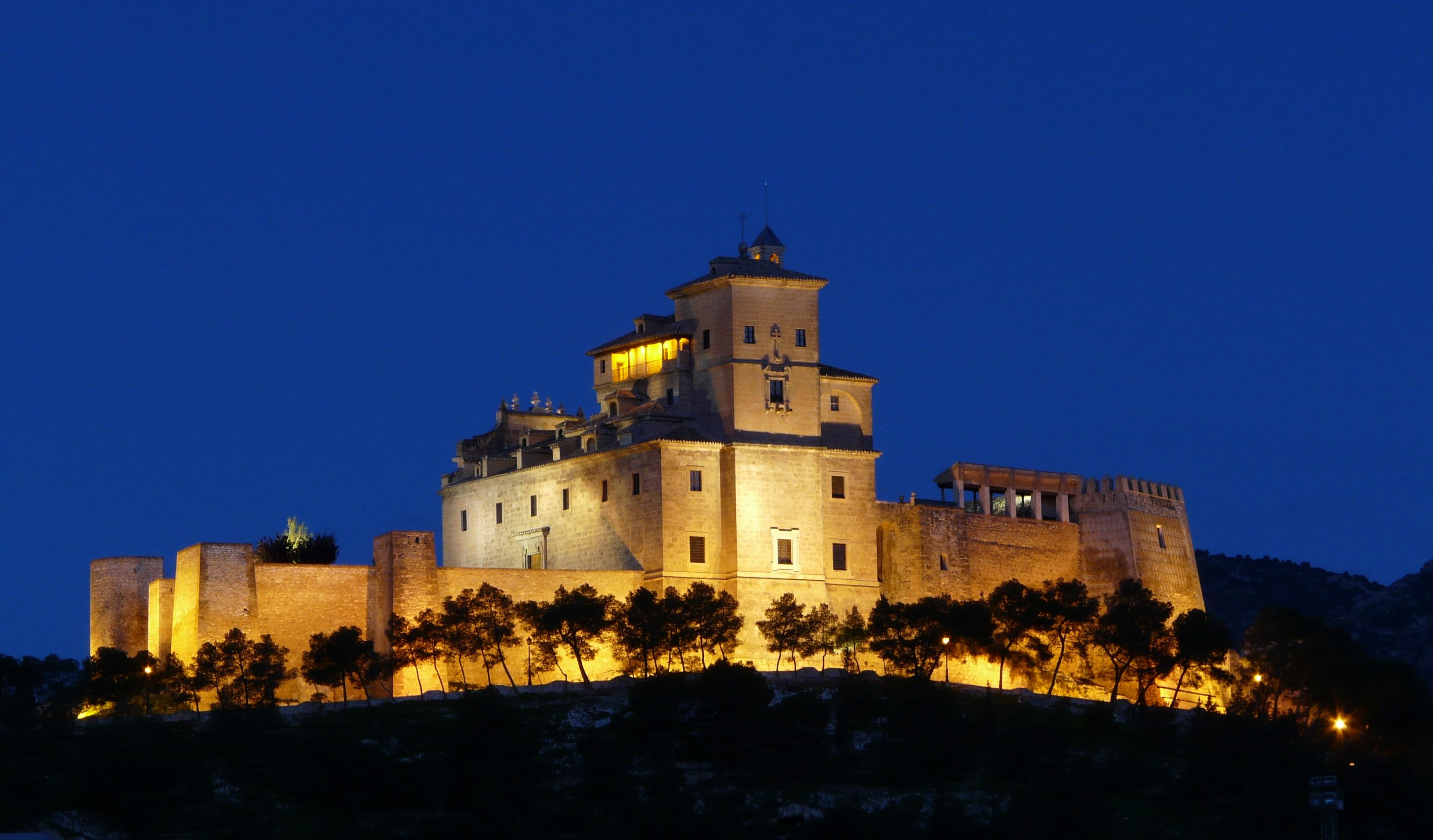 Castillo_Santuario_de_la_Vera_Cruz_de_Caravaca_de_la_Cruz.jpg