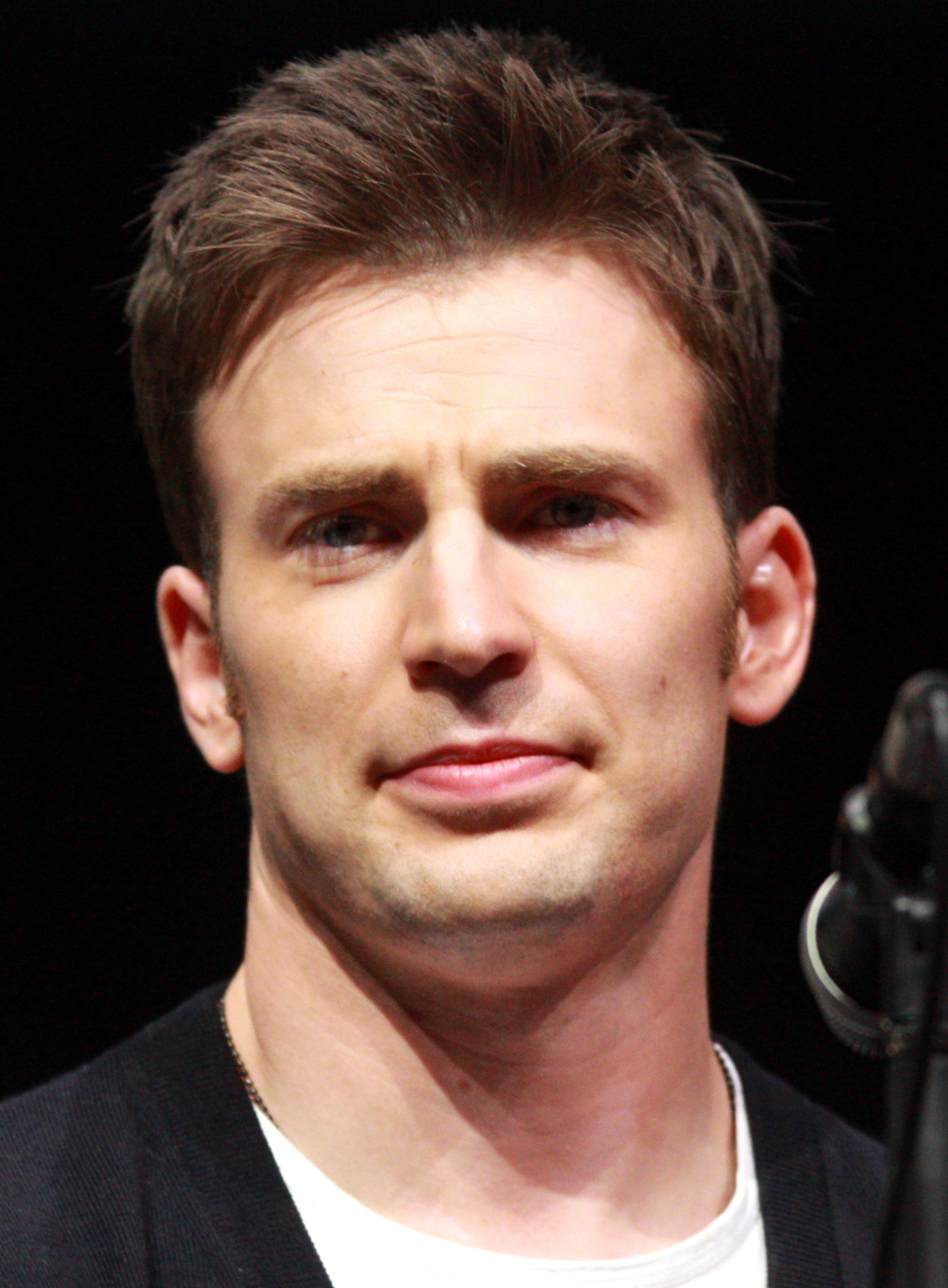 File:Chris Evans by Ga...