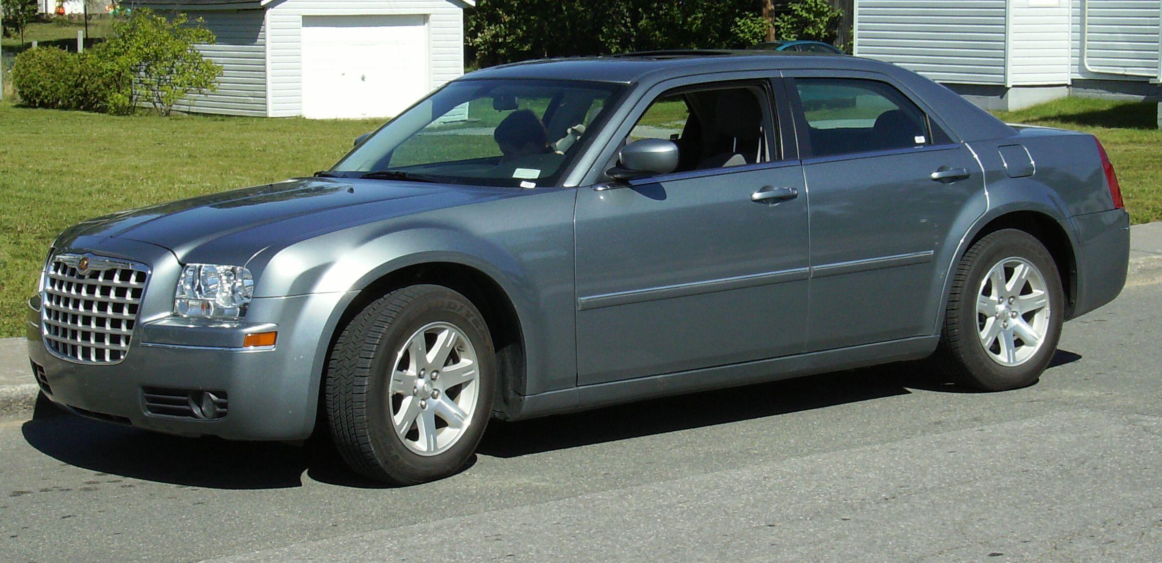File Chrysler 300 In Canada Jpg Wikimedia Commons