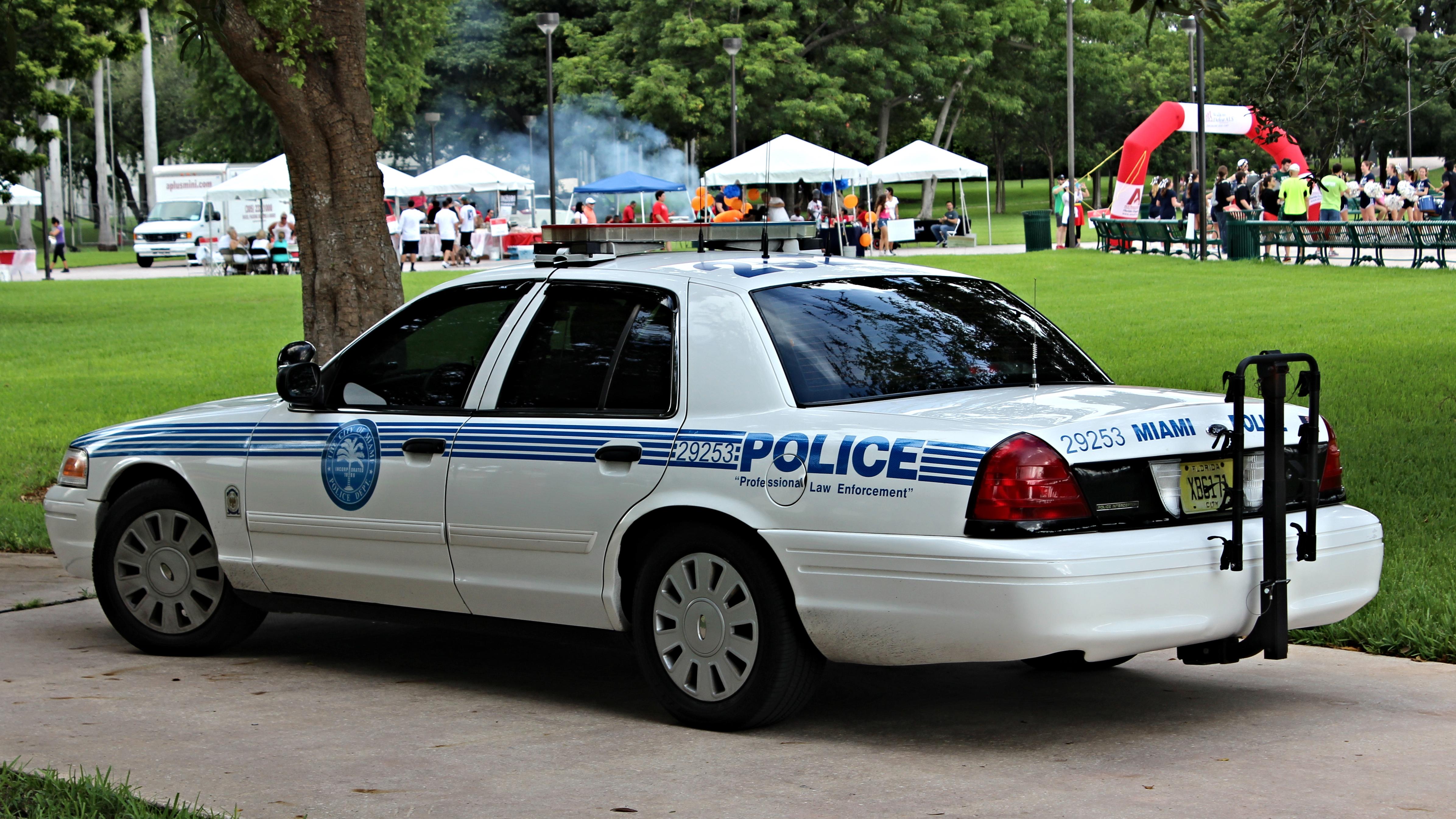 File City of Miami Police Ford Crown Victoria Police Interceptor