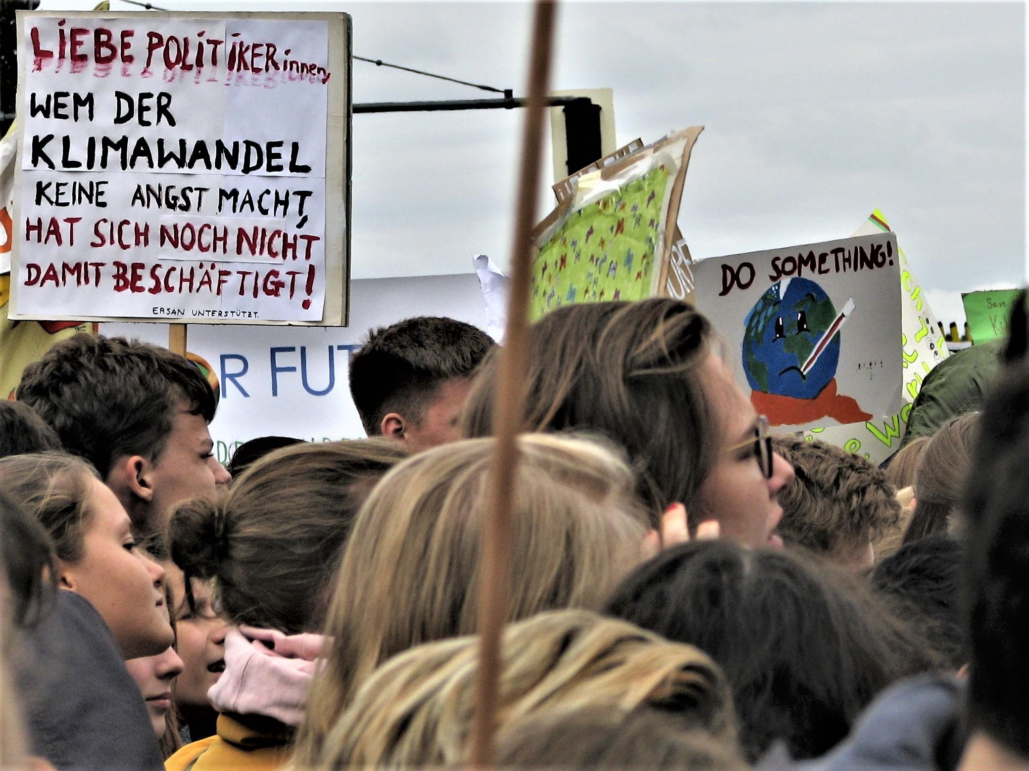 Demonstration am Brandenburger Tor in Berlin, 20. September 2019, Autor: Barnos