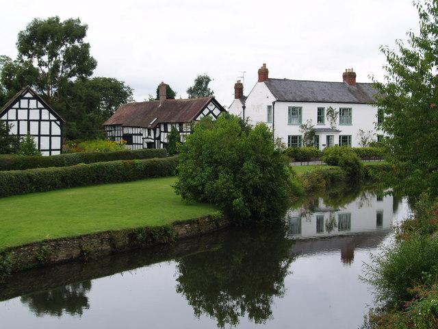 File:Eardisland Village scene (geograph 945126).jpg - Wikimedia ...