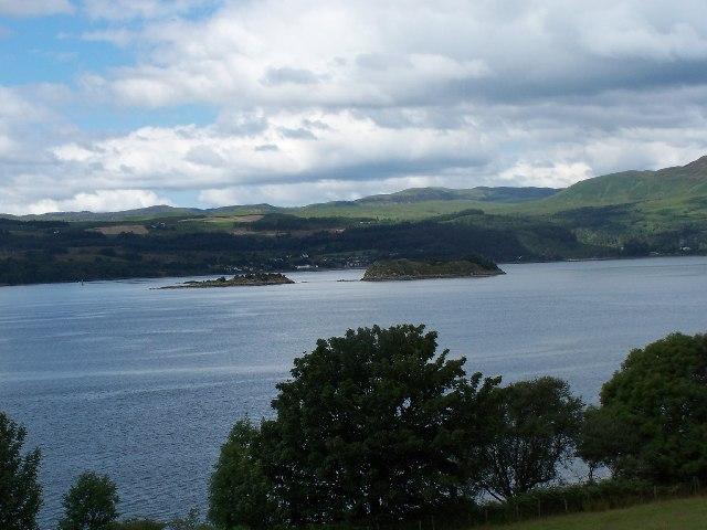 File:Eilean Aoghainn, Loch Fyne - geograph.org.uk - 31151.jpg