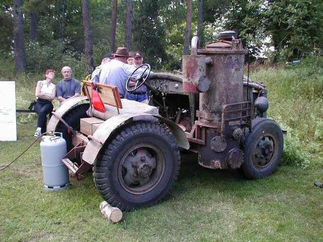 File Epa Tractor With Wood Gasifier Jpg Wikimedia Commons